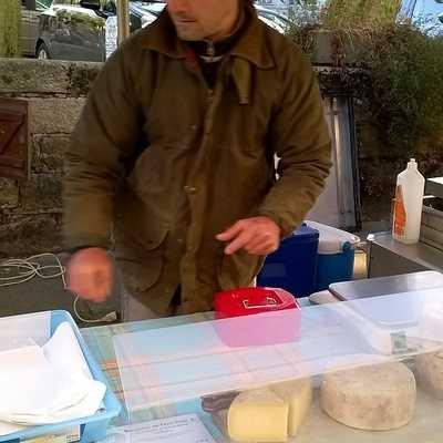 KRISTEN ET CECILE BODROS - Fromage et yaourts de brebis à LANDEBAERON