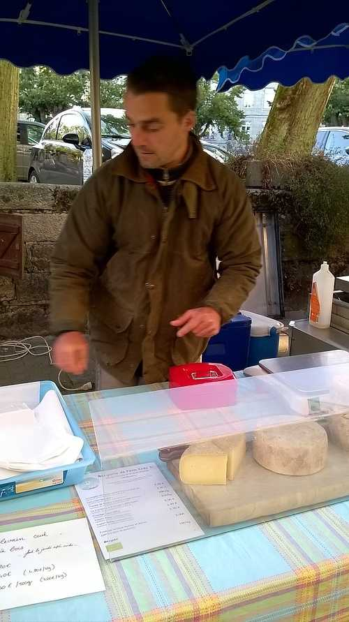 KRISTEN ET CECILE BODROS - Fromage et yaourts de brebis à LANDEBAERON 0